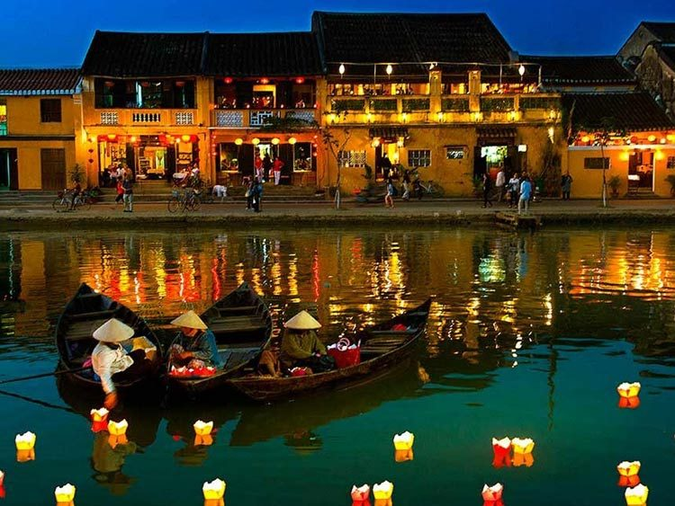 hoian-by-night
