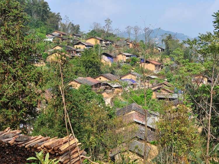maison-en-torchis-au-village-Hmong-a-Ha-Giang