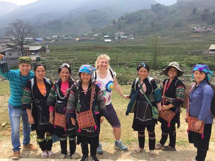 Hoc-avec-ethnie-Hmong-à-Sapa